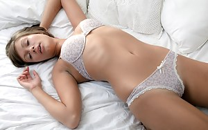 Sexy Teen Sleeping Porn Pictures